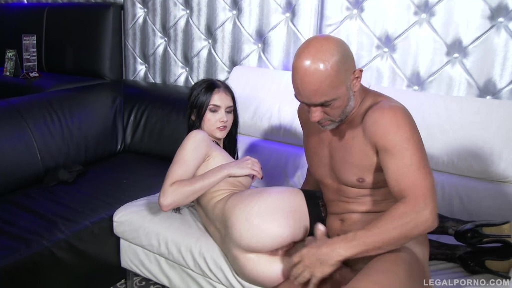 Crystal Greenvelle 100% double anal in real stripclub (0% pussy) SZ1487